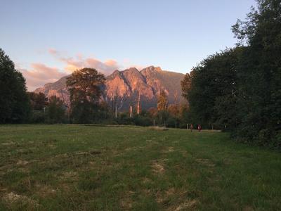 Mt Si across street from meadowbrook farm elk field